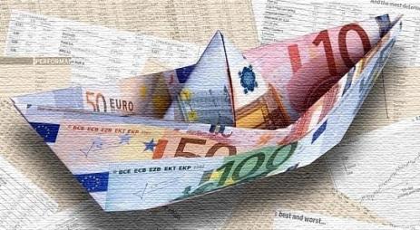 AVISO PARA NAVEGANTES FINANCIEROS BARQUITO DE PAPEL DINERO EURO